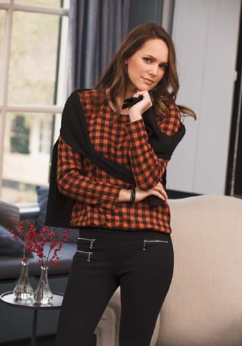 Women's knitwear Hegler. Fashion blouses, pants, jackets, dresses, pullovers and shorts