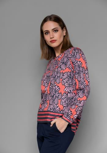 MILANO. Fashionable women's blouses, jumpers, dresses, tunics and T-shirts